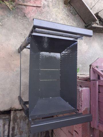 Vendo churrasqueira de ferro