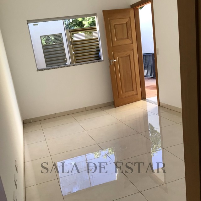 LINDÍSSIMA CASA, com ótima localização no bairro Santo Amaro. - Foto 4