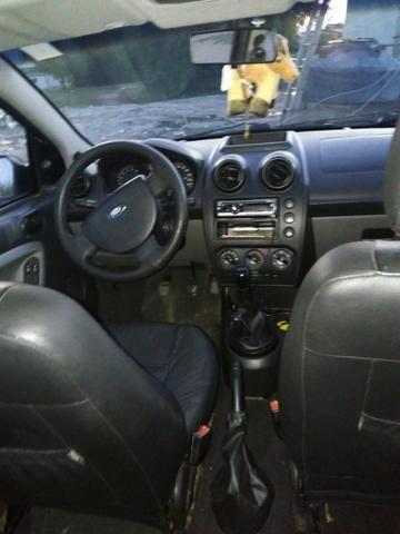 Ford Fiesta 2009 - Foto 10