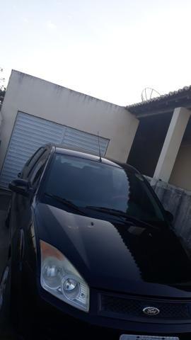 Fiesta sedan lindo para pessoas exigentes 1.6