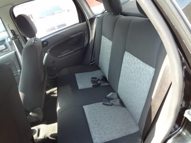 Ford Fiesta 1.6 2011 - Foto 8