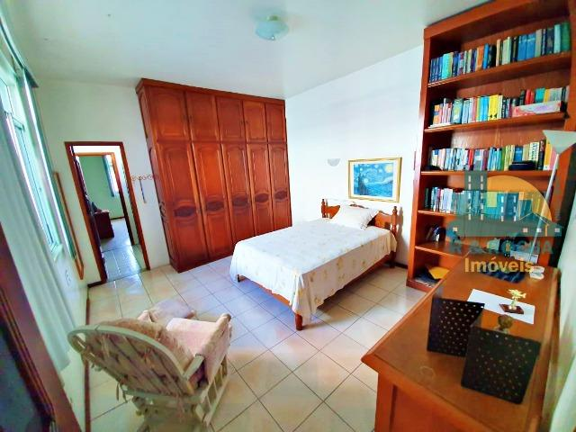 Casa com 4 quartos amplos e uma linda piscina - Duplex com 260m² - 3 vagas - Foto 3
