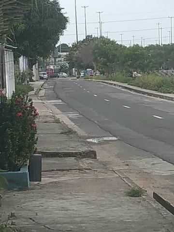 Vende-se uma casa no bairro da cachoerinha prox:av.silves