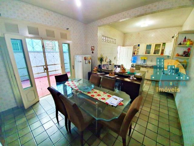 Casa com 4 quartos amplos e uma linda piscina - Duplex com 260m² - 3 vagas - Foto 11