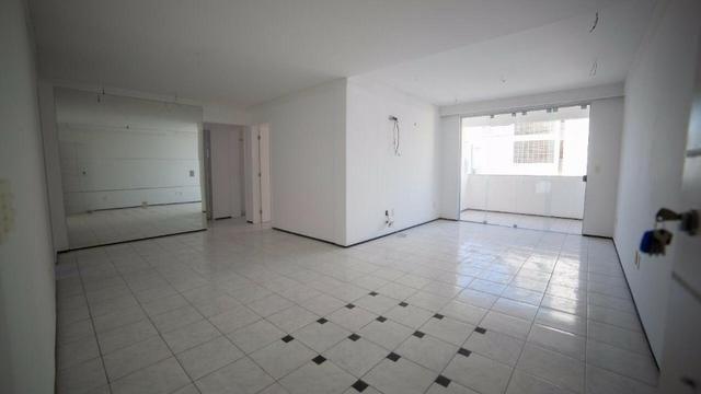 Vende-se Apartamento no Bairro Cocó Próximo Center Box - Foto 13