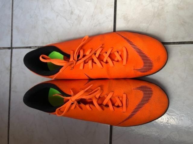 Chuteira Futsal Nike Mercurial Superfly 6 Club - Laranja e Preto - Foto 4