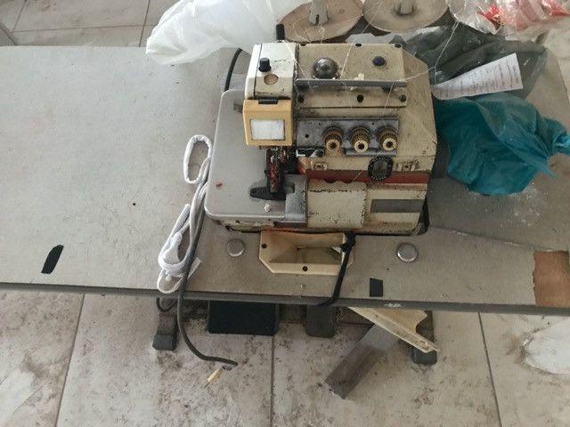 Máquina overlock - Foto 2
