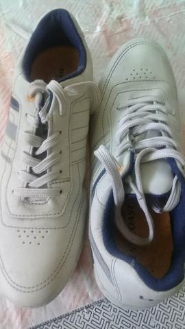 Sapatos Masculinos - Foto 2