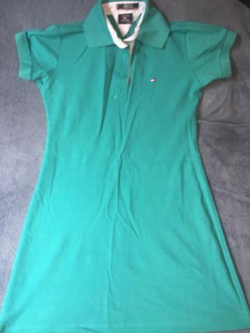 Vestido da tommy e camisa pool $40,00