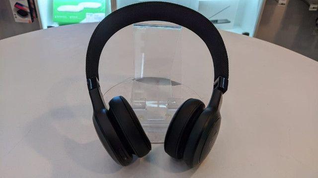 Fone Bluetooth JBL Live 400 BT (estado de novo) - Foto 2