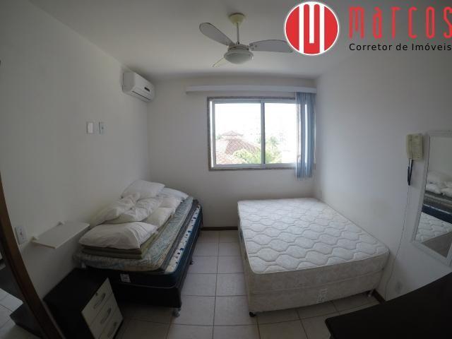 Lindo quarto e sala na Praia de Peracanga - Foto 9