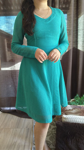 Vestido turquesa com renda