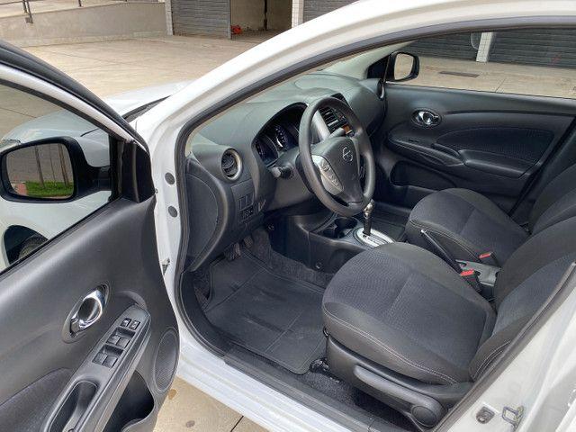 Nissan Versa SV 1.6 Aut. Flex 16/17 - Foto 9