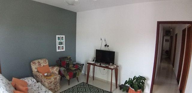 Casa cond. solar dos cantarinos 03 quartos, espaço para construir piscina e churrasqueira - Foto 6