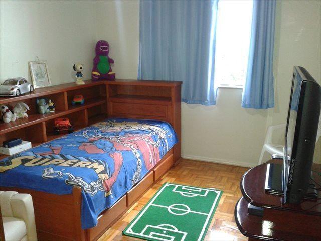 Excelentes vagas e quartos no Ingá - Ótima localização, arejado e iluminado