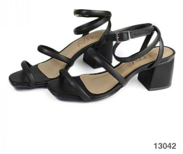 Sandália salto bloco médio  - Foto 3