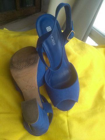 Sandálias de salto, nº 36 com desconto pra mãe sentir-se poderosa! - Foto 2