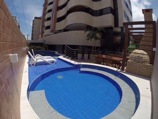 Apartamento nascente novo com 3 suítes - Edifício Armani - Ponta Verde