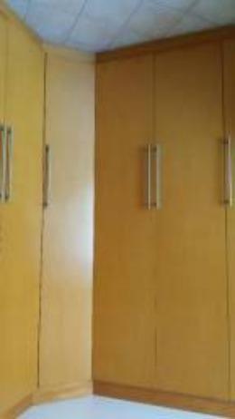 Roupeiro, cômoda e cama - Foto 2