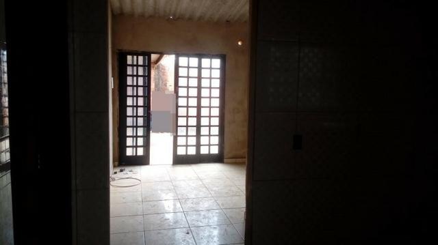 Vende-se casa de 2 quartos na QR 1029 em Samambaia Norte *