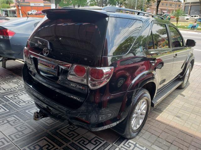 Toyota SW4 SRV 3.0 4X4 2013/2013 Preta - Foto 6