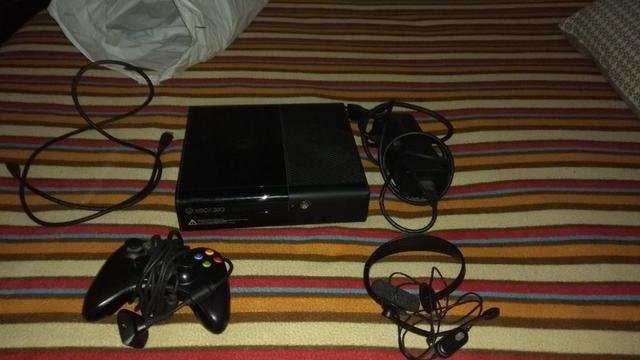 Vendo Xbox 360 bloqueado em ótimo estado e com 5 jogos no HD e garantia! Leia descrição! - Foto 2