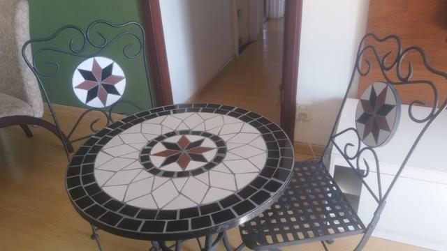 Conjunto Mesa Bistrô Mosaico Com Duas Cadeiras