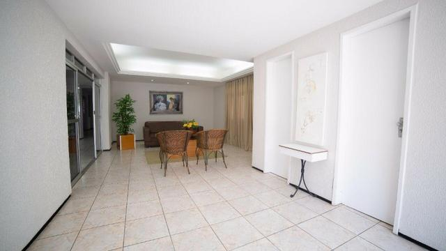 Vende-se Apartamento no Bairro Cocó Próximo Center Box - Foto 9