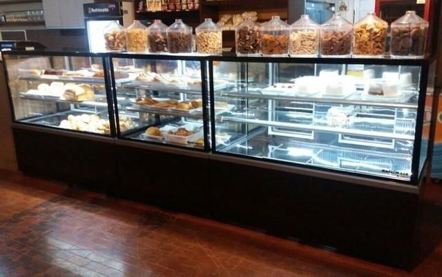 Frente para padaria com led vidro reto