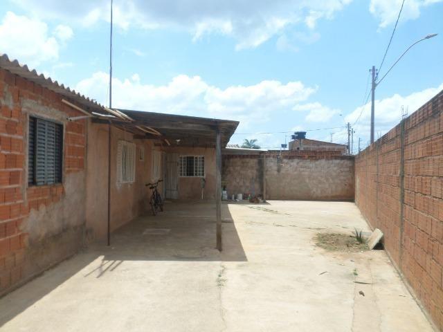 Vd Cs 2 qts lote 220 m² cond pinheiro - Sol Nascente - Cei DF