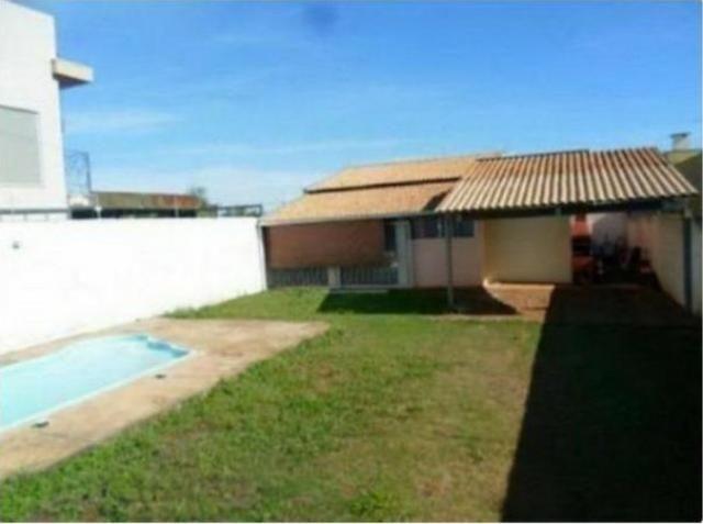 Casa com piscina e 2 quartos JD Ipes