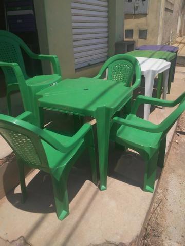 Imperdível- Conjunto de mesa c 4 cadeiras resistente - Foto 4