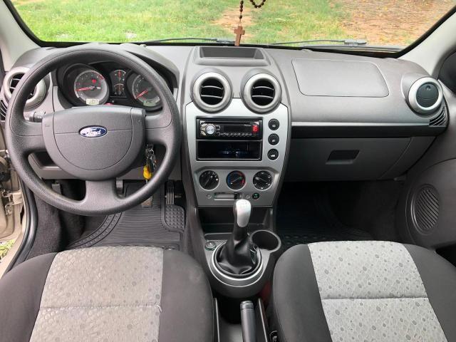 Ford Fiesta 2012/2013 - Foto 2