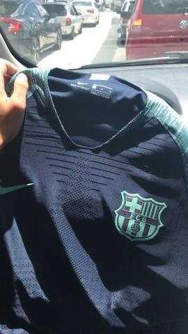 Camisa Barcelona Home e Treino Jogador 18 19 - Esportes e ginástica ... 1bf2567e9d493