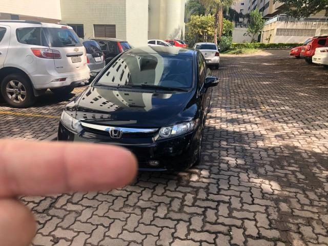 Honda Civic preto manual LXS 1.8 completo com bancos em couro. IPVA 2020 pago - Foto 9