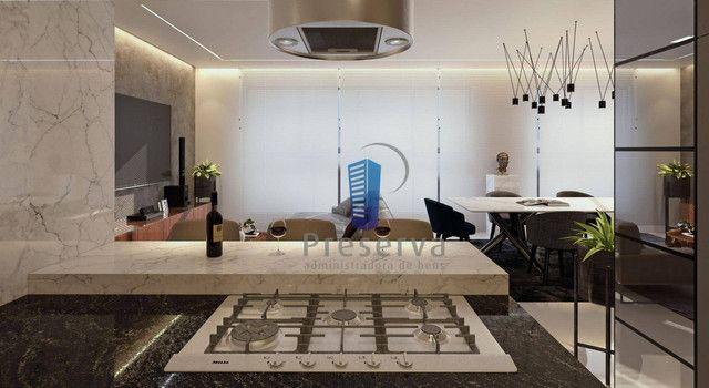 ENTREGA PARA 2024. Apartamento diferenciado, com amplo terraço e único no andar, no Centro - Foto 4