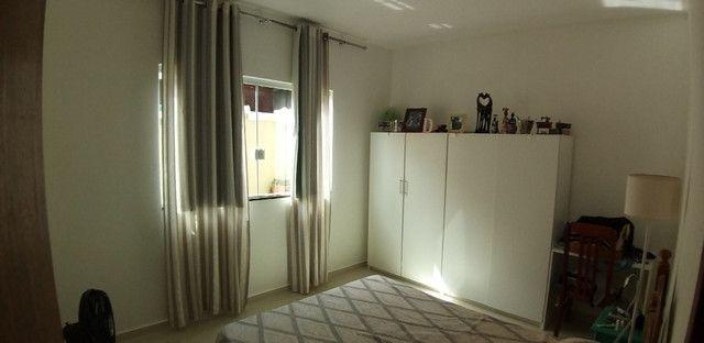 Casa cond. solar dos cantarinos 03 quartos, espaço para construir piscina e churrasqueira - Foto 4