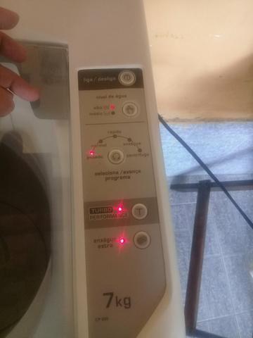 Vendo maquina de lavar 7kg - Foto 4
