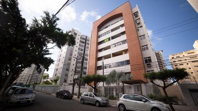 Vende-se Apartamento no Bairro Cocó Próximo Center Box