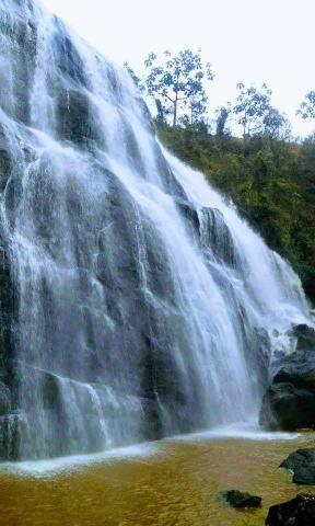 Fazendinha com cachoeira e casa, cena de cinema - Foto 7