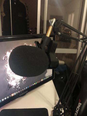 Suporte de mesa com microfone para youtubers - Foto 2