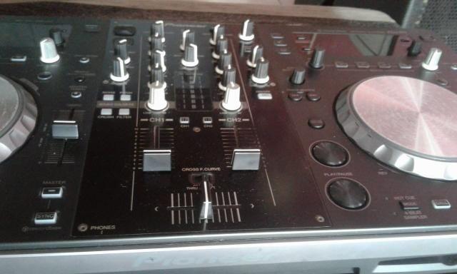 Pioneer - controladora Xdj r1