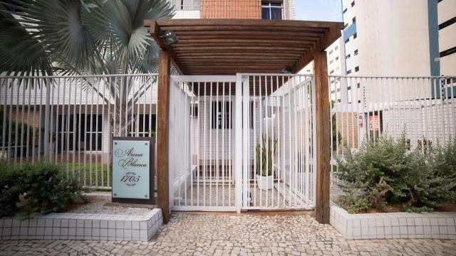 Vende-se Apartamento no Bairro Cocó Próximo Center Box - Foto 5