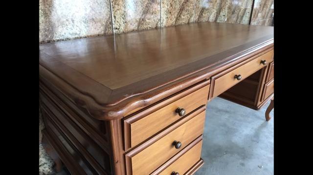Mesa de escritório rústica de madeira maciça - Foto 2