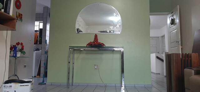 Vendo aparador em inox e vidro grosso - Foto 2