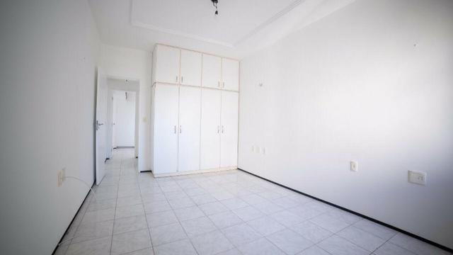 Vende-se Apartamento no Bairro Cocó Próximo Center Box - Foto 17