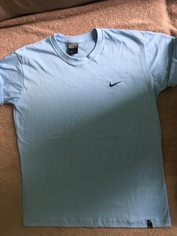 Camiseta Nike pra vender logo - Roupas e calçados - Cidade Nova ... bf2aff2cb1877