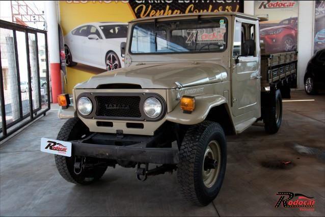 Toyota Bandeirante Picape - RARIDADE