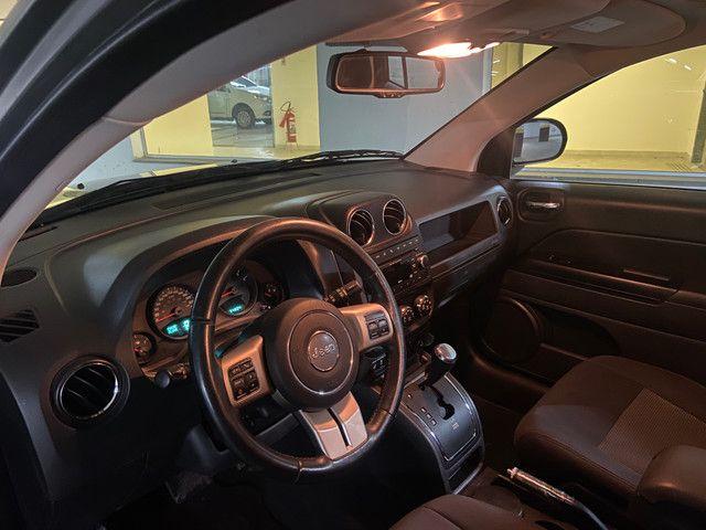 Jeep Compass Sport 2.0 automática muito nova OBS: taxa de 1%no cartao de credito - Foto 11