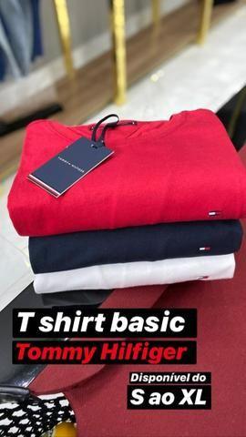 Camisas e roupas de grife